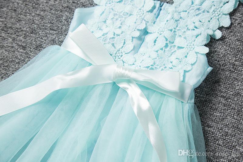 Vendita al dettaglio di moda ragazze pizzo crochet vest dress prendisole principessa ragazze senza maniche gilet crochet vestito di pizzo baby party dress bambini vestiti