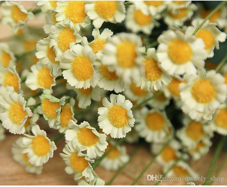 Home Flower Decor 1 Bouquet Daisy artificiale Fiori di seta la decorazione del giardino di nozze Decorazione di fiori a parete