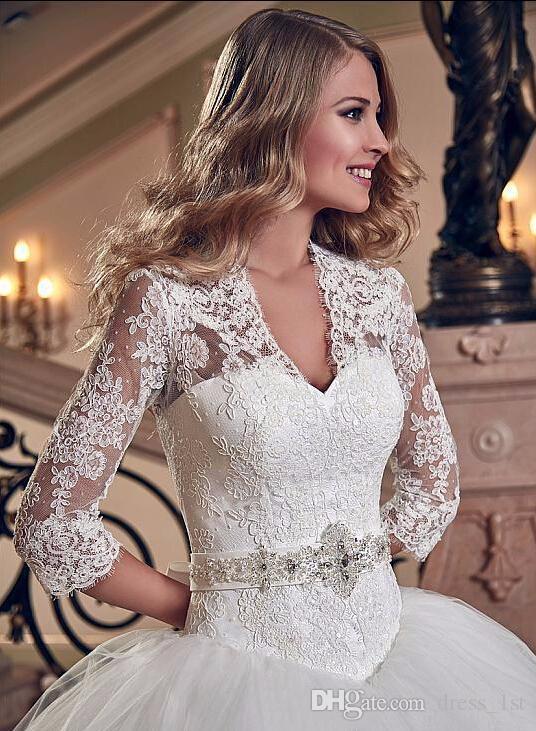 Charming 2016 White Lace 3/4 Langarm Ballkleid Brautkleider Vintage V-Ausschnitt Zurück Lace-Up Lange Brautkleider EN6155 ausgeschnitten
