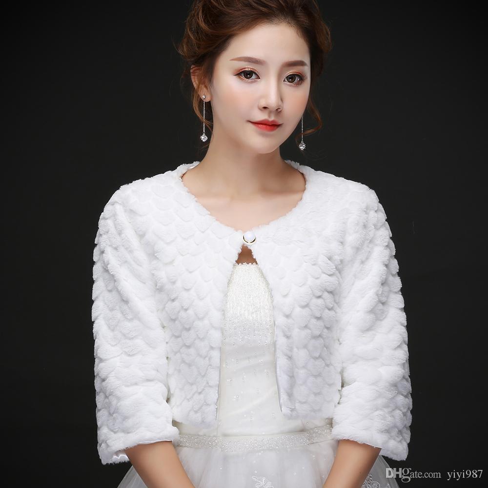 Real photos White Faux Fur Wedding Jacket Warm Bridal Bolero Wedding Jacket Coat with half sleeve Bridal Wraps Wedding Cape Cloak