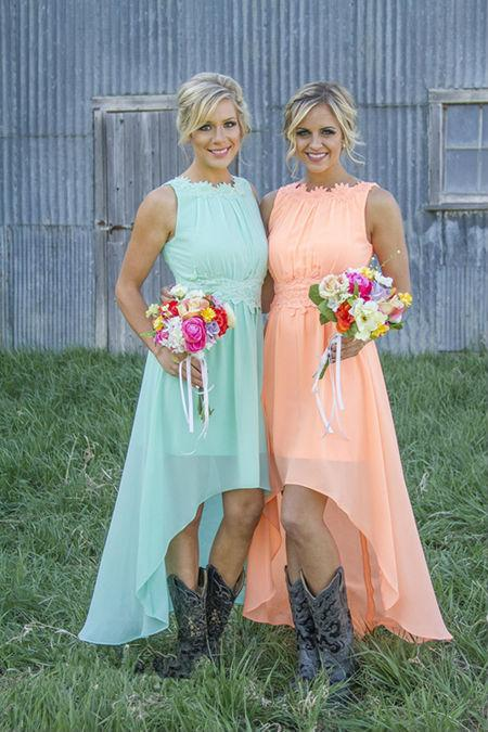 Country Westen Colored High Low Bridesmaid Dresses Chiffon Short Bridesmaid Dresses maid of honor dresses with Cowboy Boots Applique Hi-Lo