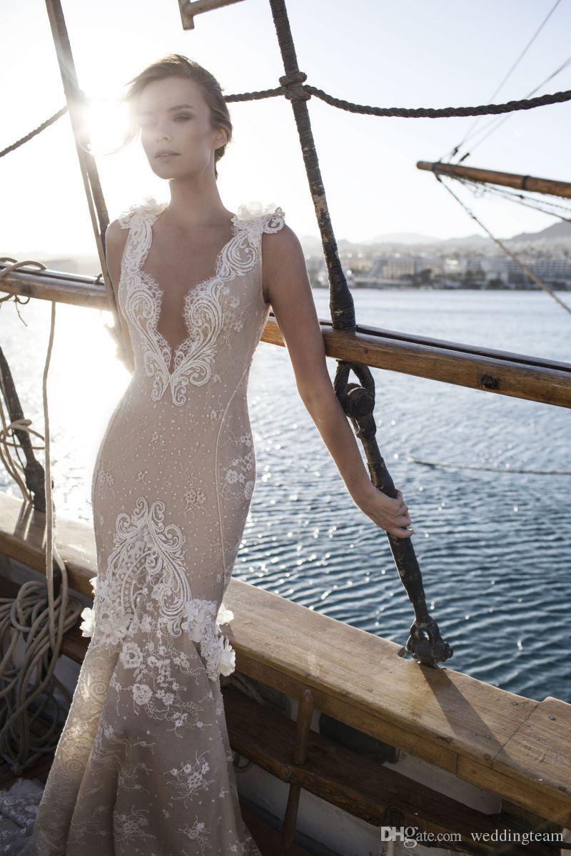 매력적인 인어 공주의 웨딩 드레스의 3D 아플리케 딥 브이 넥 장식 브래지어 가운 스위프 기차 Tulle 트럼펫의 Backless 웨딩 드레스