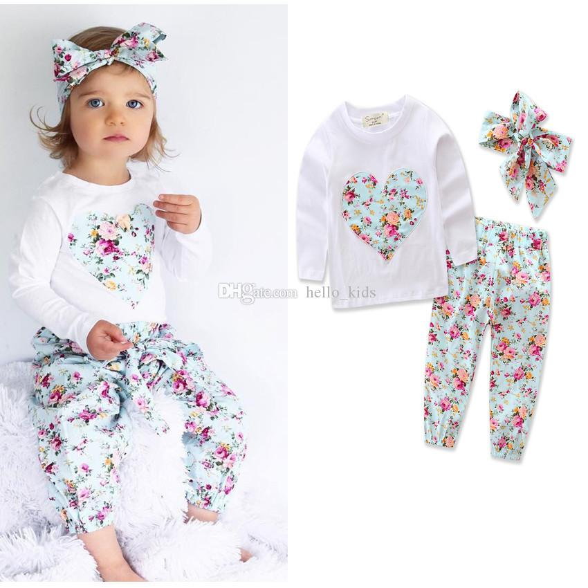 赤ちゃんの女の子の心の形の花のスーツ子供幼児の幼児のカジュアルショートロングスリーブTシャツ+ズボン+ヘアバンドPajamasの服