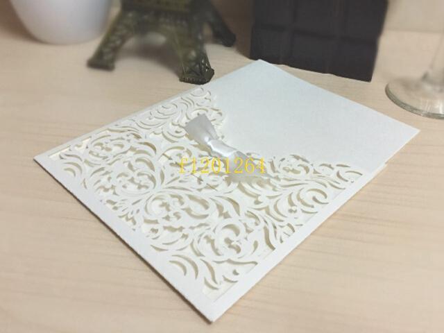 100 unids / lote Envío Gratis Estilo Occidental Laser-Cut Encaje Patrón de Flor Personalizable Imprimible Invitaciones de Boda Tarjetas de es