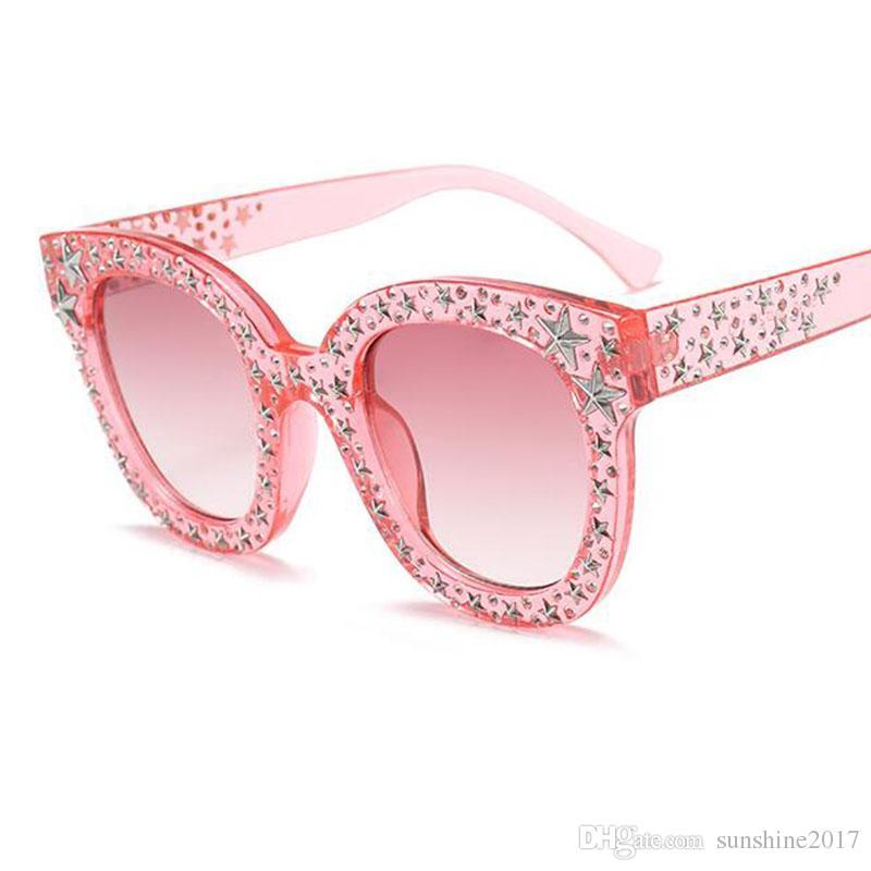9eb6bad96d052 Compre Moda Mujer Gafas De Sol Cuadradas Marca Diseñador Hombres Populares  Gradiente De Color Rosa Negro Sombras Oculos 2018 Nueva Moda De Cristal  Estrella ...