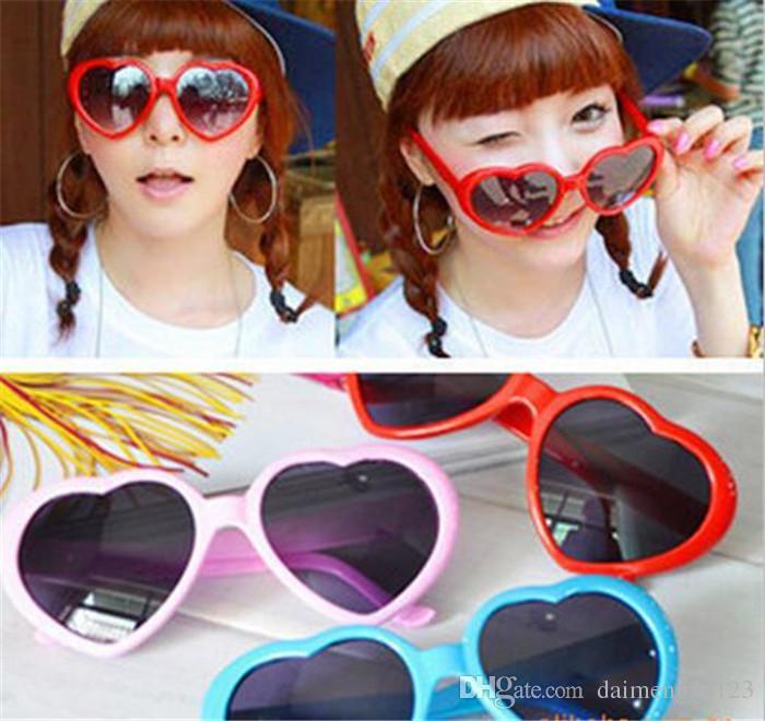 Kalp gözlük ucuz güneş gözlüğü kalp şeklinde güneş gözlüğü insanlar aşk retro boy ayna Sıcak tarzı kadın D653