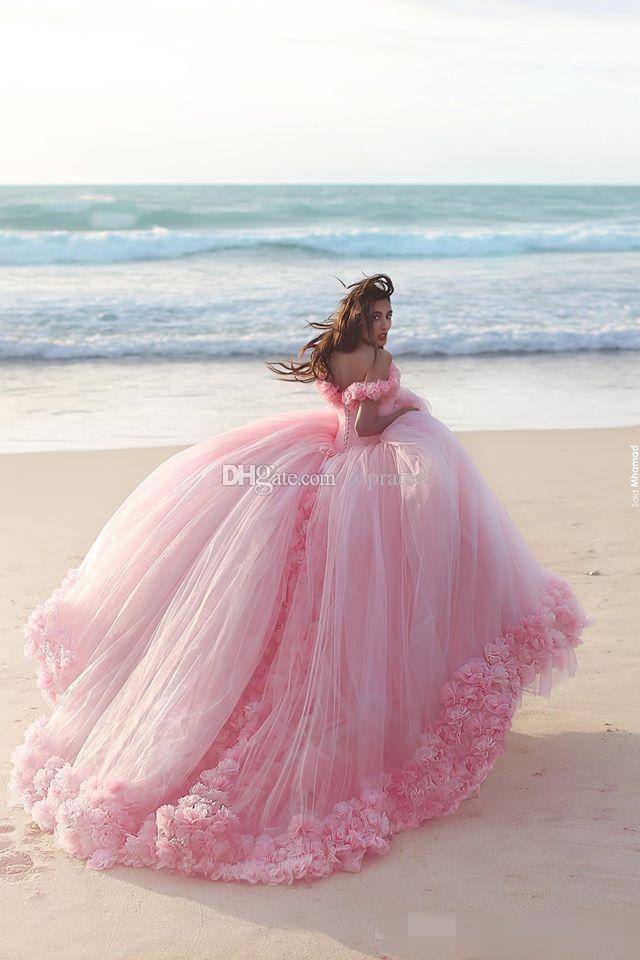 2021 Puffy Quinceanera Klänningar Prinsessan Cinderella Formell Long Ball Gown Bridal Bröllopsklänningar Kapell Tåg Av Axel 3D Blommor