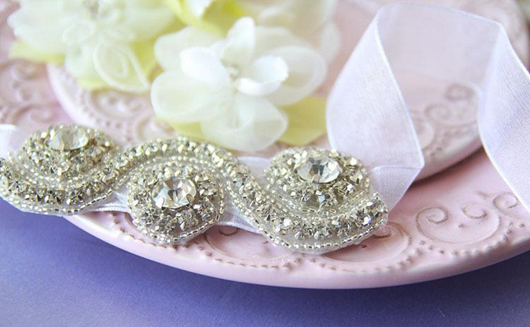 Luxo Perfeito Handmade Rhinestone Nupcial de Pulso De Couro Longo de Seda Venda Quente Festa de Casamento Banquete Acessórios Para As Mulheres