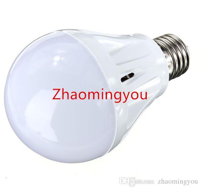 E27 Sensore di movimento Lampada LED LED Sound Bulb + Controllo della luce Rilevamento intelligente Auto la porta Porta Scale Lampada con la luce del sensore di movimento