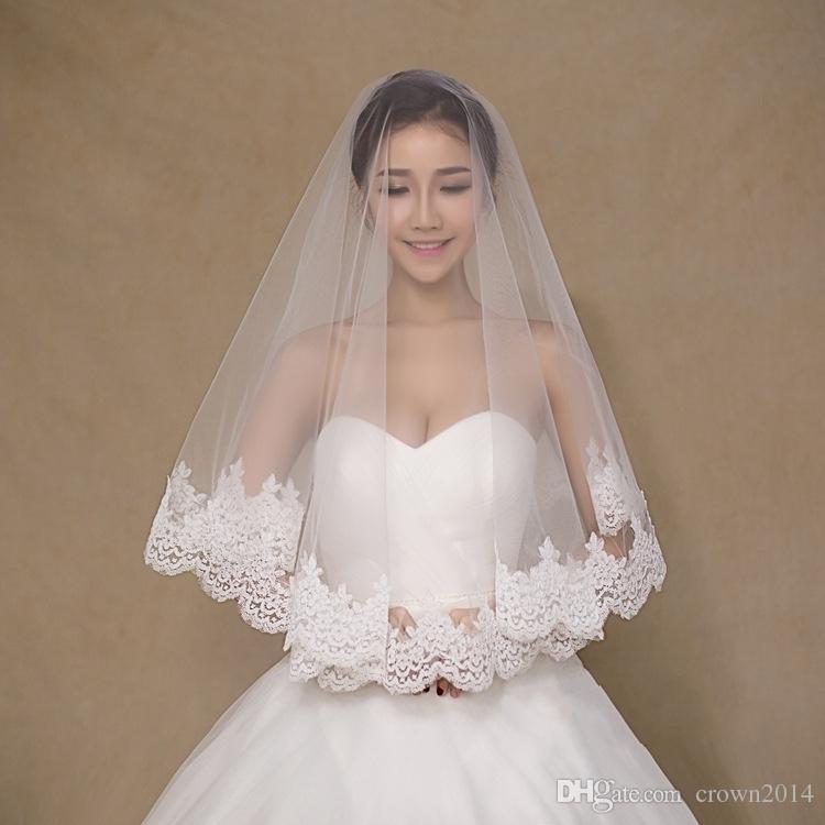 Bir Katmanlı Dantel Tül Kısa Gelin Veils 2019 Ücretsiz Kargo Ucuz Kızlar Düğün Aksesuarları Peçe Dantel Beyaz Fildişi Stokta