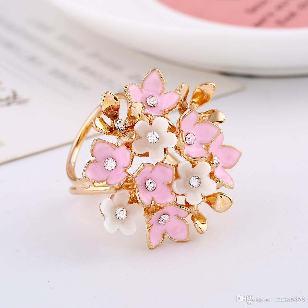 Crystal Flower Brooch Pin European and American Fashion Accessories High Quality Crystal Rhinestone Scarf Buckle Clips for Women DHH137