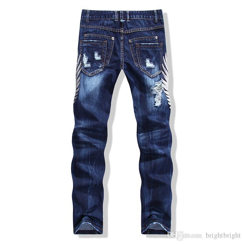cbec33ff1e9 Acquista Streetwear Uomo Strappato Biker Jeans Homme Moda Uomo Moto Slim Fit  Nero Bianco Blu Moto Denim Pantaloni Joggers Magro Uomo Taglia  30 38 A   30.7 ...