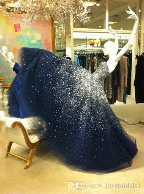 2019 Swewafless Spingling Sweet 16 Bleu Navy Bleu Puffy Quinceanera Robes De Boule Robes De Boule Robes De La Partie Perles Avec Perles Volants Tulle Custom