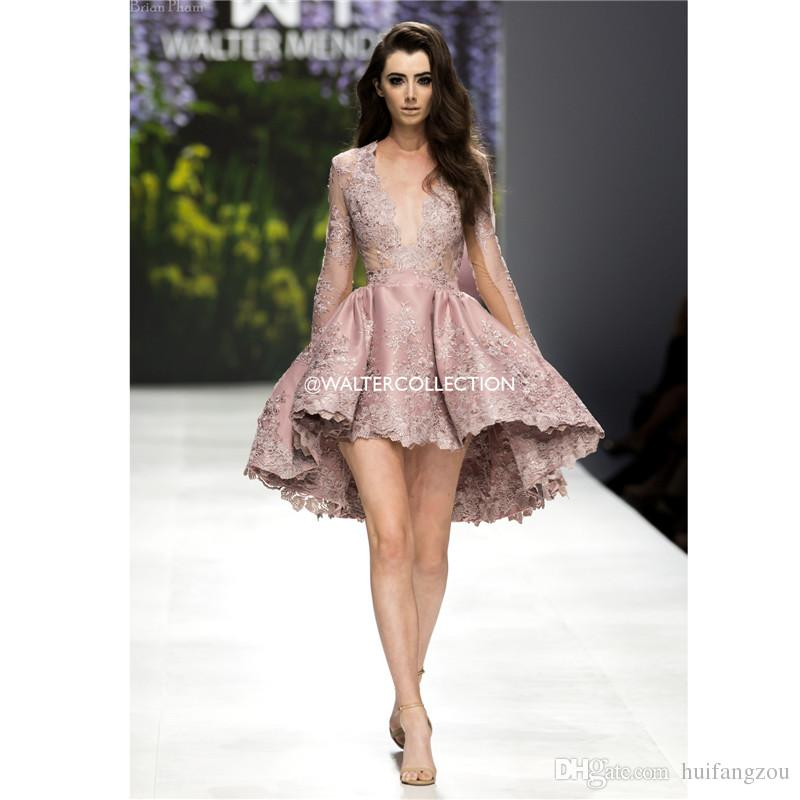 2019 Curto Vestidos de Baile Mergulhando Pescoço Mangas Compridas Lace Applique Vestidos de Noite de Alta-baixa Vestidos de Cocktail Vestidos de soirée