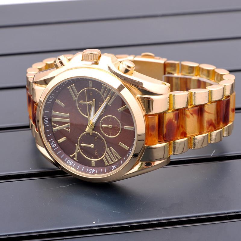SıCAK! Ünlü Marka Moda Casual İzle kol 2016 ABD Lüks Markalar Kadınlar Saatler Bayanlar gül altın Kuvars Saatler Montre Femme