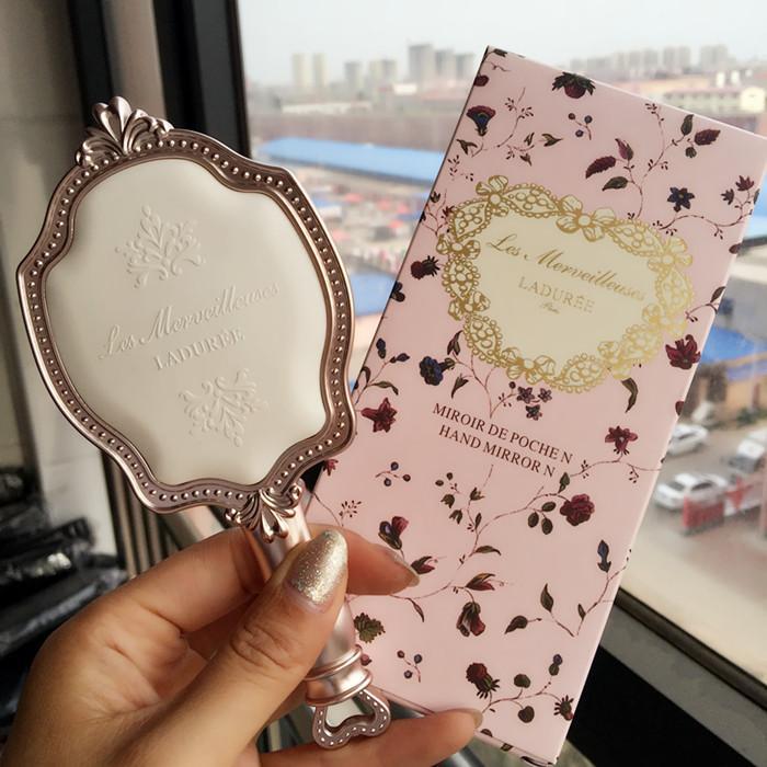 les Merveilleuses LADUREE Antique-style HAND MIRROR N Cameo Porcellana Design Beauty Cosmetics Makeup Blender DHL Spedizione Gratuita