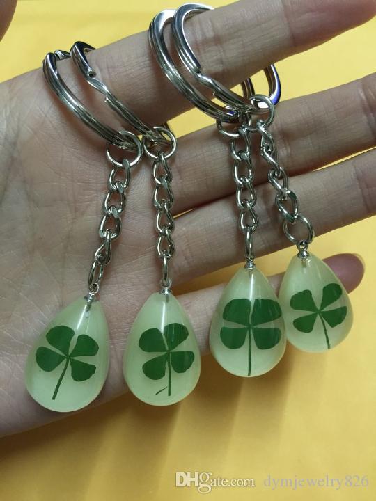 Livraison gratuite 14 bijoux porte-clés vrai shamrock lueur dans le porte-clés de la mode sombre