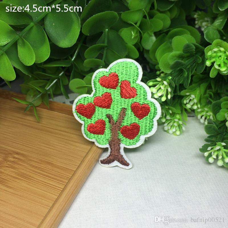 Free shipping~Red Heart Tree badge embroidered Appliquesgel patch can be sewn can iron clothes DIY accessory garment bag hot