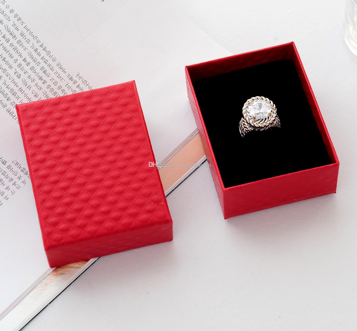[Sette semplici] Vendita al dettaglio Classic Collana con diamanti modello diamante rosso Collana / bracciale imballaggio / / Pacchetto spilla misura media