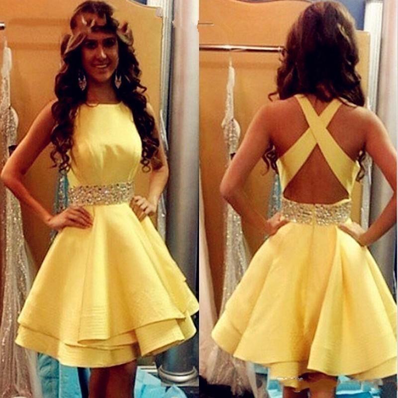 Sexy Yellow Prom Dresses Kurze Mädchen Satin Perlen Band Cocktail Party Kleider Criss Cross Günstige Junior Graduation Gowns Homecoming