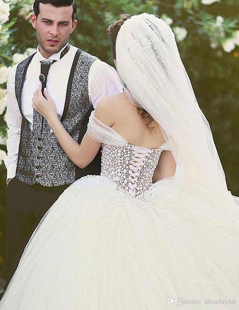 2018 perlas de lujo con cuentas vestidos de novia con espalda corsé árabe Dubai Sheer tul vestido de bola vestidos de novia modestos Vestidos De Festa