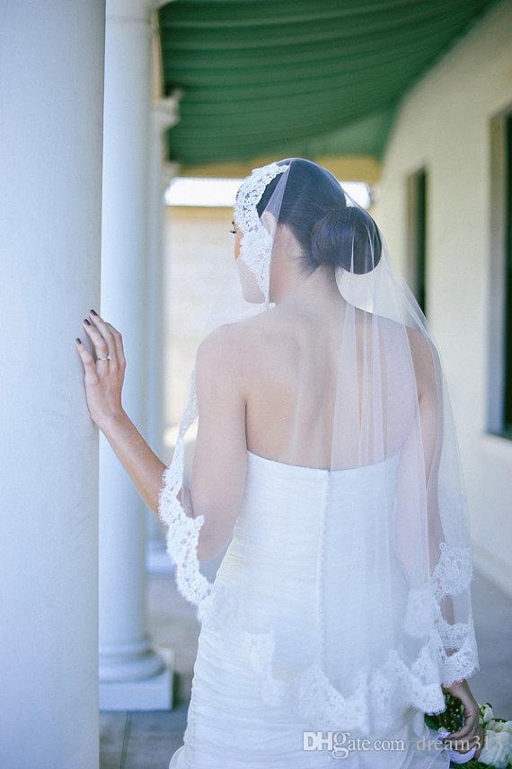 New Top Quality Best Sale Romantic Wrist White Ivory Lace Applique veil Bridal Head Pieces For Wedding Dresses