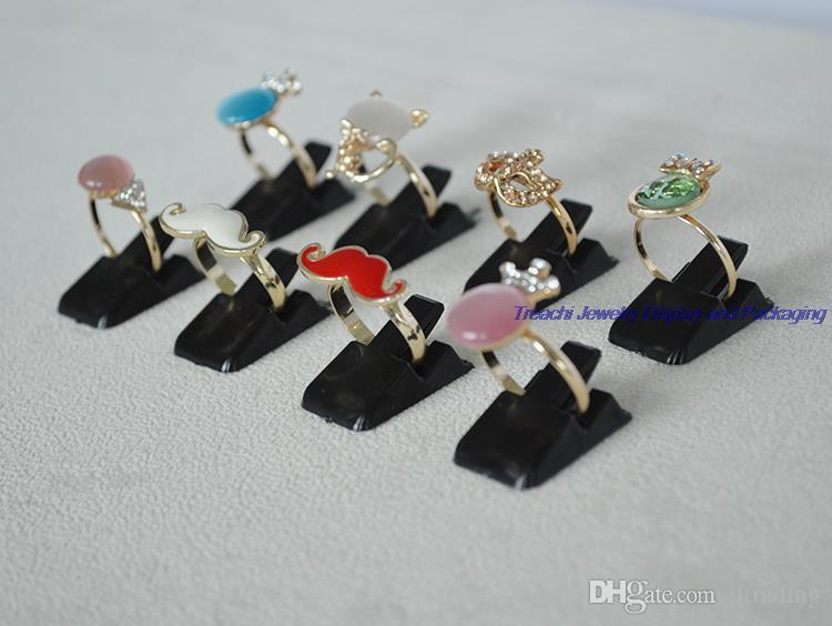 Black White Clear Plastic Display Jewelry Holder for Ring Display Small Clip Pad for Finger Ring Display Stand