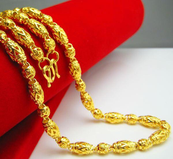 Durante mucho tiempo no se desvanece Collar de oro Joyas de simulación para hombre Cadena de oro Cadena de cuentas huecas Joyas de imitación Hombres enviados a amigos
