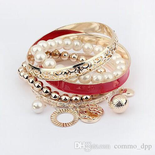 Fashion hollow Multilayer joker Braccialetti di fascino Moneta di metallo Perle di perle Bracciali Braccialetti di moda le donne Gioielli Accessori casuali