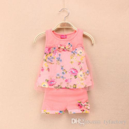 2016 new baby girls clothing set summer girls clothing sets fashion children girls lace floral bowknot vest + shorts 2 pic clothing suits
