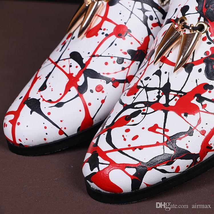 Zapatos de cuero del ocio del Mens de la venta caliente de la manera del resbalón del encanto del dedo del pie redondo en los zapatos planos para el holgazán de la pintada 38-46 del partido de los hombres