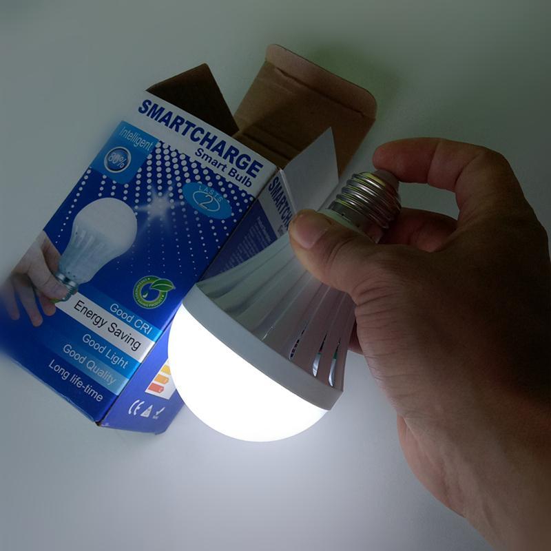 Bombillas de emergencia E27 Bombillas de emergencia 5W 7W 9W 12W Control manual / automático Luz de 180 grados Los vendedores ambulantes usan trabajo 3-5 horas