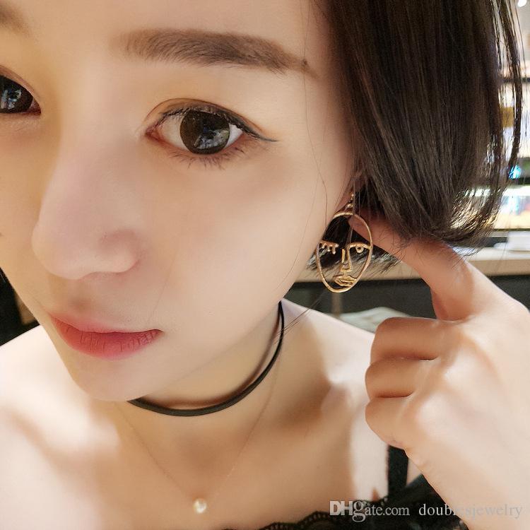 L'Europa e l'esplosione della personalità esagerata gusto faccia buffa forma astratta Facebook profilo orecchini in metallo orecchini