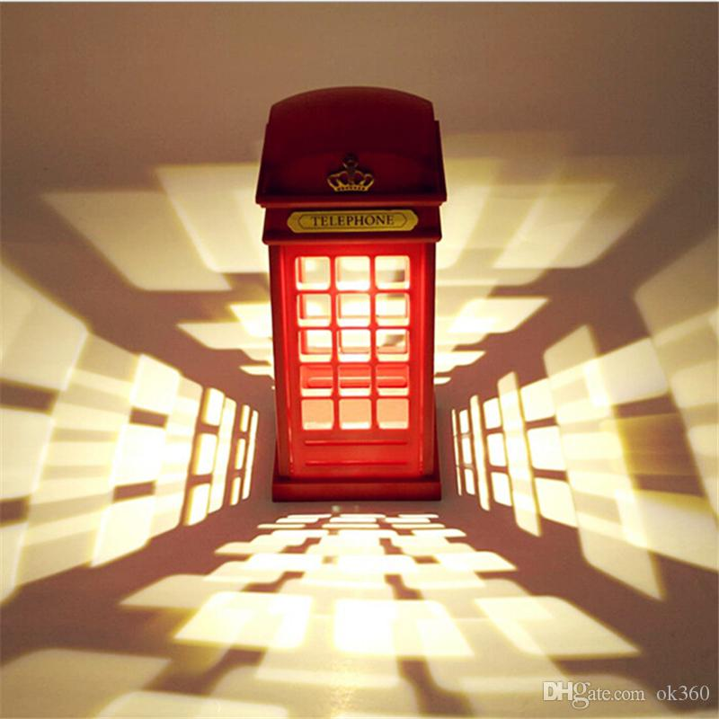 Vente d'économie d'énergie Retro London Telephone Booth Night Light USB Batterie à double usage LED lampe de chevet Table