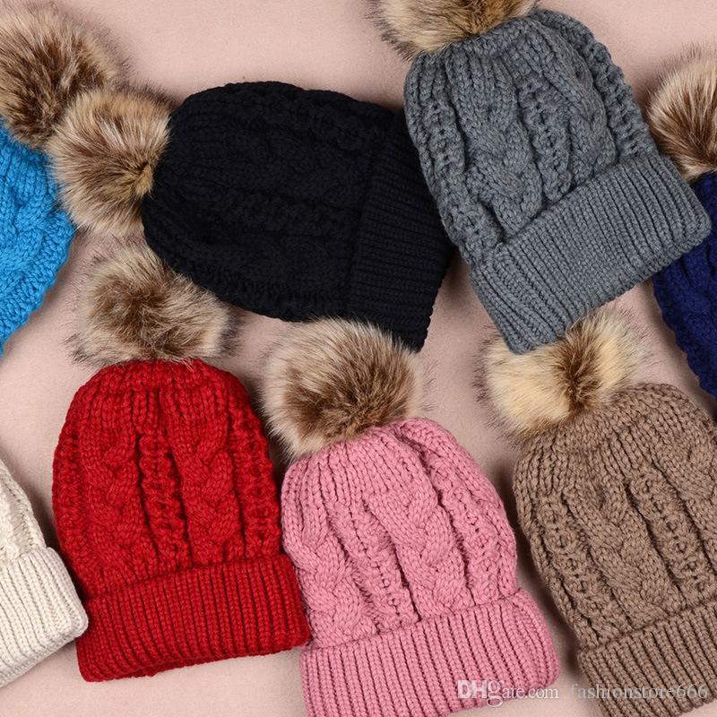 double couche épaisse d'hiver coloré Snow Caps laine Bonnet tricoté avec Artificial fourrure de raton laveur Pom Poms Pour Femmes Hommes Hip Hop Cap