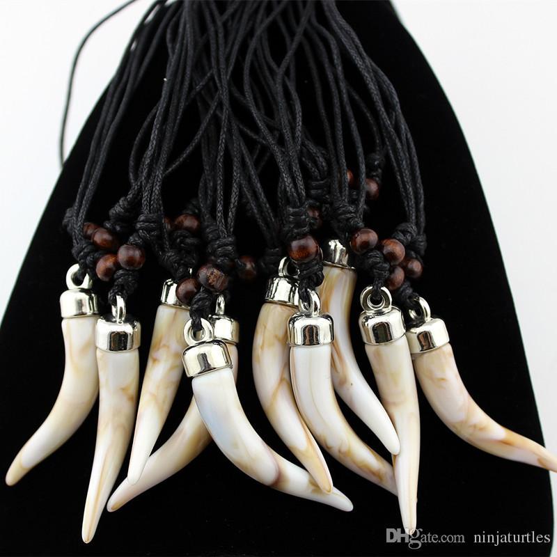 Lotto del commercio all'ingrosso Acrylic Design Imitazione Elefante dente Collana Lupo dente pendente Amuleto regalo uomini gioielli da donna MN579
