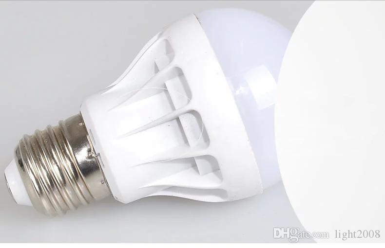 Envío de alta calidad 3W 5W 7W 9W 12W bombillas LED de ahorro de energía de la luz E27, B22, E14, base de la bombilla luz del globo barato al por mayor alumbramientos lámpara 22