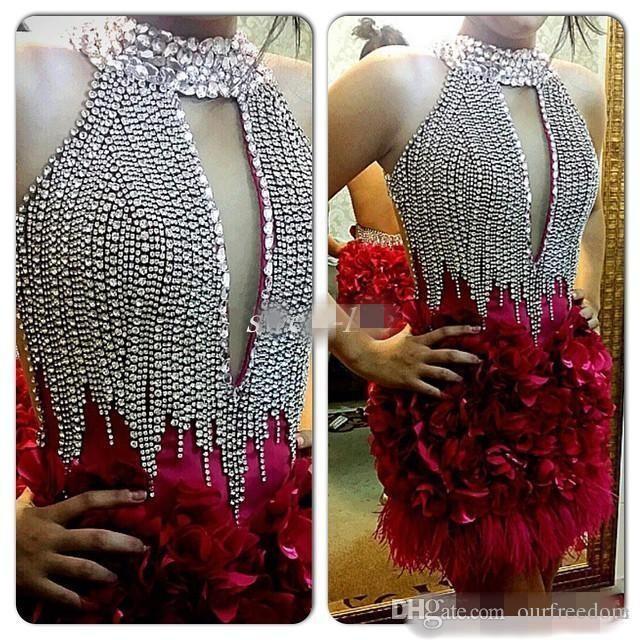 Nuevos vestidos de fiesta de cóctel de cuello alto Cristales brillantes Longitud de la rodilla 2019 Venta caliente Vestidos para ocasiones especiales con plumas Flores hechas a mano en 3D
