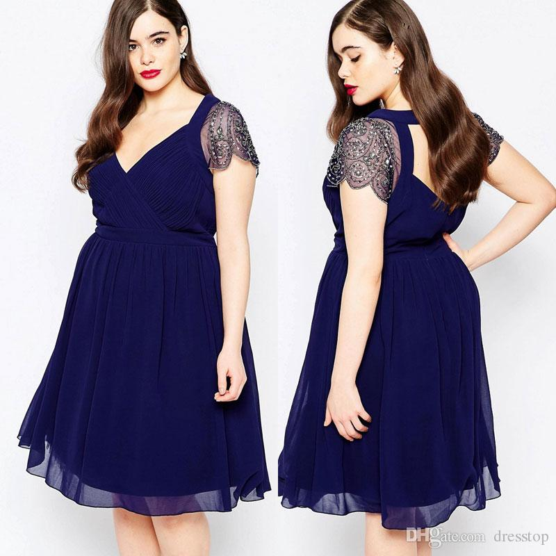 New Plus Size Backless Prom Dresses With Beaded Sleeves V Neck A