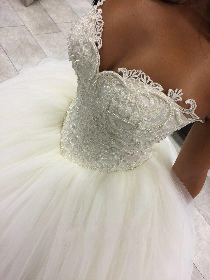 2016 Nova Barato Árabe A Linha de Vestidos de Noiva Querida Lace Apliques Beads Pérola Longa Varredura Trem Tulle Vestidos Puffy Formal Vestidos de Noiva