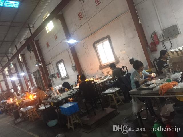 Bongs 8 bracci percolatore di vetro Bongs Bongs Pan impianti di petrolio Olio DABS DABBERS DABERS BONG BONG Recycler Tubo di vetro tubo con unghie in titanio