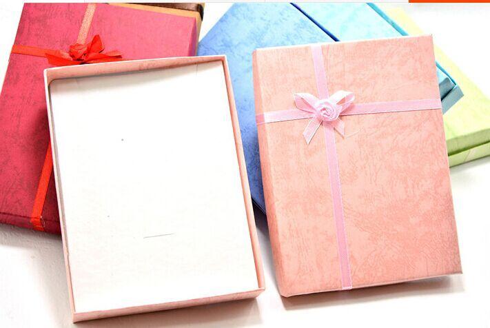Große Größe 16 * 12cm Schmuck / Schmuck Sets Scarf.Bra.Unterwäsche, Hochzeitsgeschenke Verpackung / Paket / Verpackung Display Box mit Bowknot anzeigen