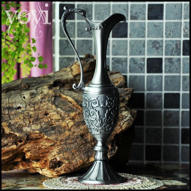 European Long Narrow Neck Flower Vase Gothic Retro Hezuishou Metal