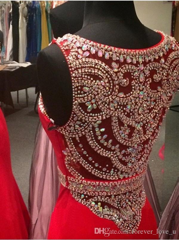 Atemberaubende Meerjungfrau Abendkleider rote Kristalle Rundhalsausschnitt durchsichtig Perlen zurück lange formale Ballkleider bodenlangen Top-Qualität