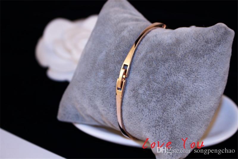 Lettera V Bangle Bracciale European Brand Charms zircone lusso Bangles Accessori costume del partito Donne Fine Jewelry