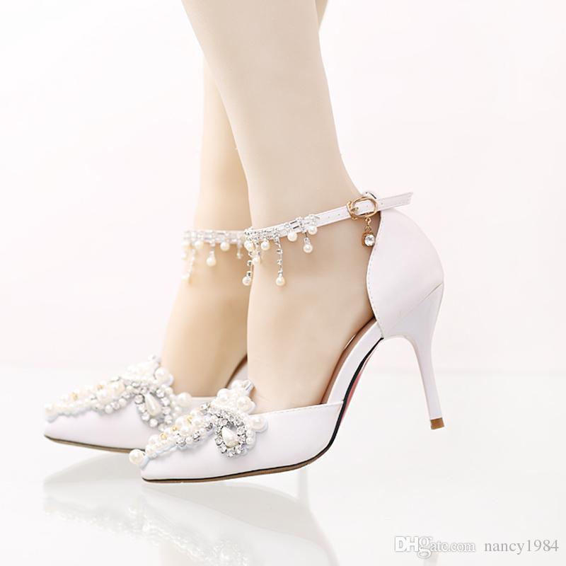 Zapatos de boda de satén hechos a mano con diamantes de imitación correas de hebilla Vestido formal Shose dedo del pie acentuado Zapatos de dama de honor Bombas de fiesta