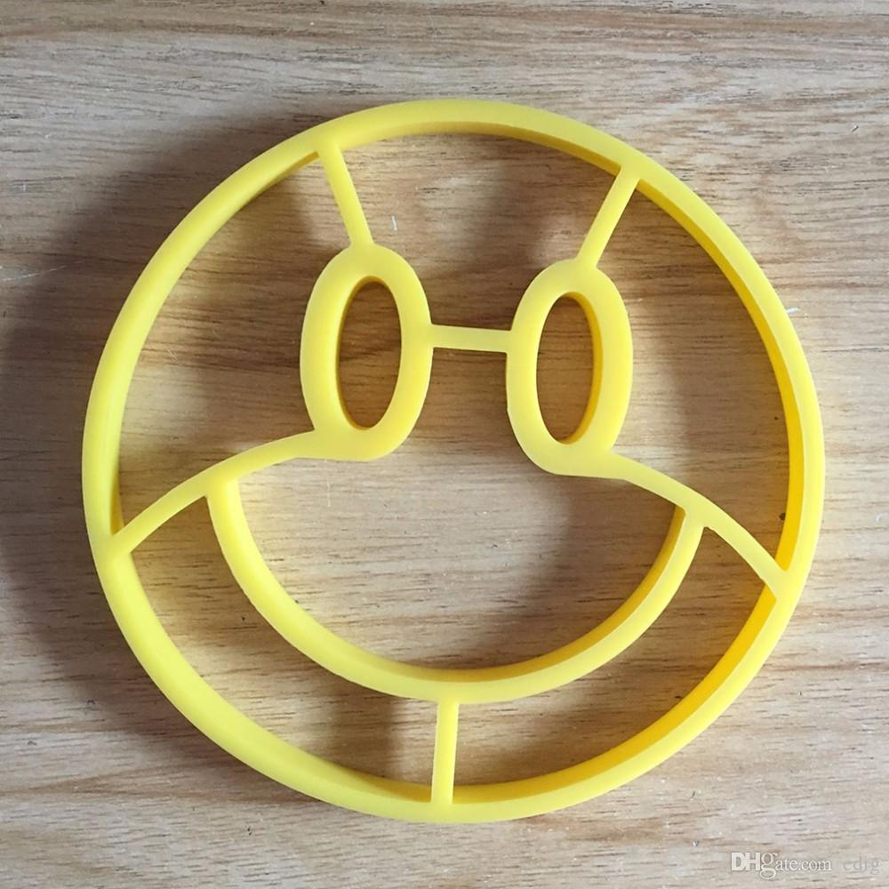 Smile face Egg Mould Omelette Mold Silicone Egg Ring Cooking Eggs Form Funny Kitchen Tools Kitchen Gadgets Model
