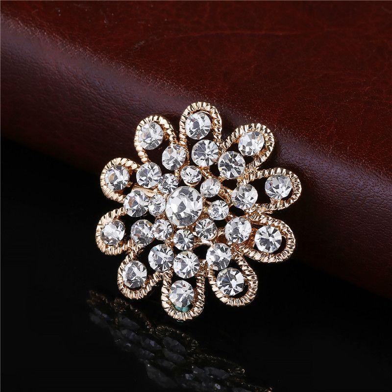 Wholesale China factory Jewelry Shining Silver Clear Rhinestone Crystal Small Flower Rhinestone Brooch Bouquet for wedding women pins