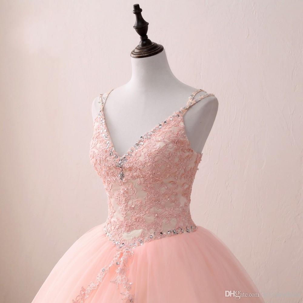 2021 V cuello rubor de encaje de apliques con champagne satin quinceañera vestido de bolas vestido de pelota con correas corsé de cuentas espalda dulce 15 chicas fiesta