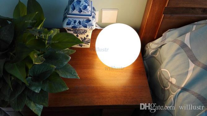 LED lampada da tavolo moderna palla rotonda illuminazione globo latte glassato diffusore in vetro Lampada camera da letto comodino sfera di vetro luce bianca paralume scrivania